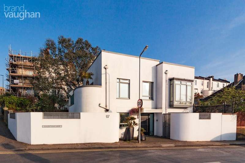 5 Bedrooms Detached House for sale in Goldstone Lane, Hove, BN3