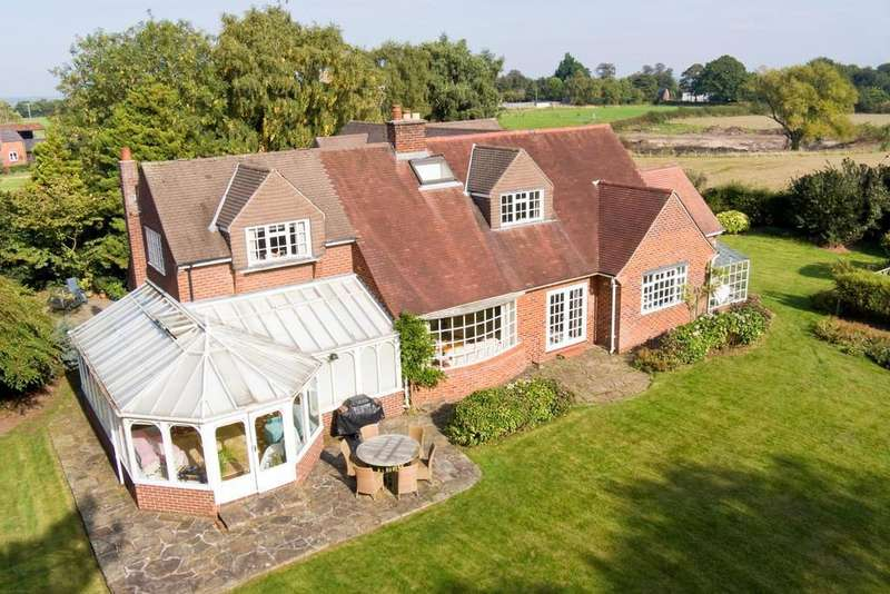 6 Bedrooms Detached House for sale in Cow Lane, Norley