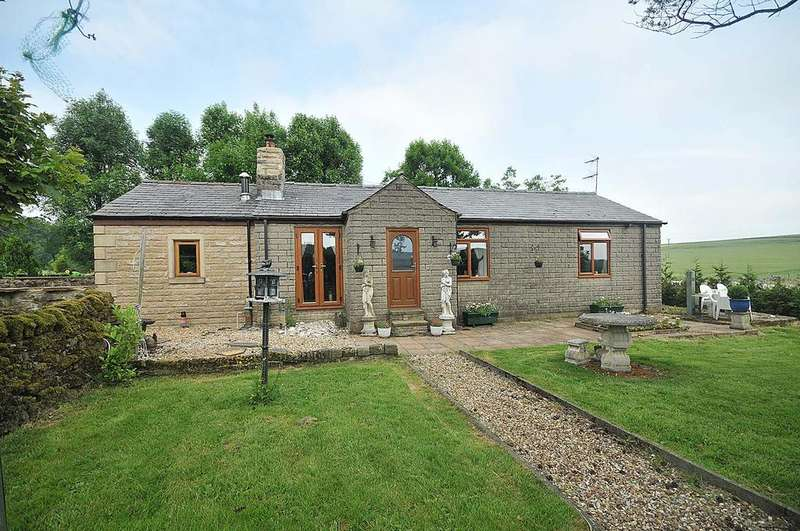 3 Bedrooms Bungalow for sale in Brierlow Bar, Buxton