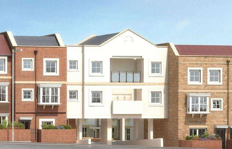 2 Bedrooms Apartment Flat for sale in Flambard Way, Godalming