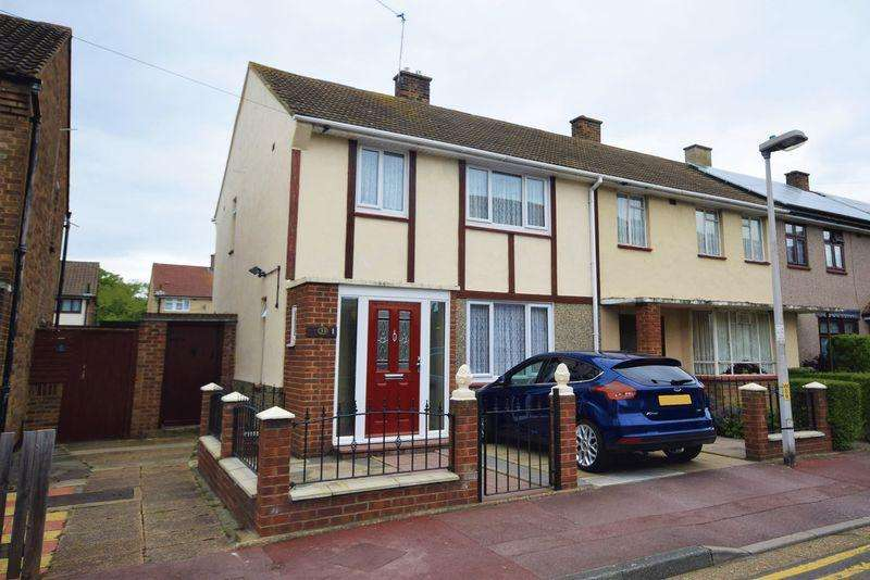3 Bedrooms Semi Detached House for sale in Woodshire Road, Dagenham