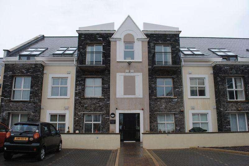 2 Bedrooms Apartment Flat for sale in 16 Castle Court, Farrants Way, Castletown