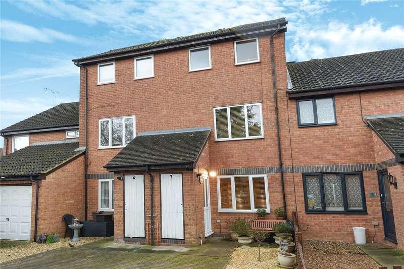 1 Bedroom Maisonette Flat for sale in Campion Close, Denham, Middlesex, UB9