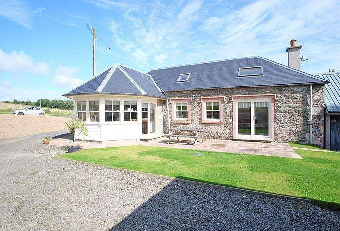3 Bedrooms Detached House for sale in 2 Midburn Steading, Bonchester Bridge, TD9 9SD