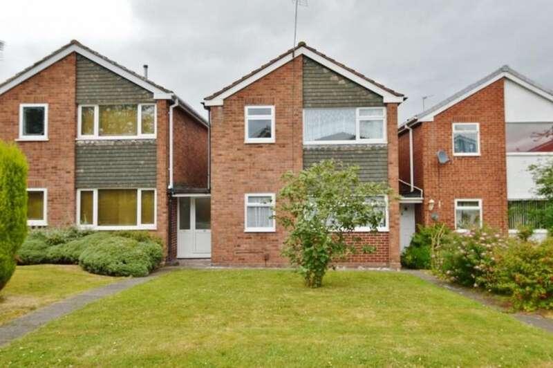3 Bedrooms Link Detached House for sale in Fernwood Drive, Rugeley