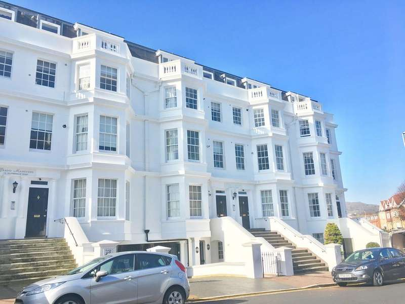 2 Bedrooms Apartment Flat for sale in Lower Meads, Silverdale Road, Eastbourne, BN20