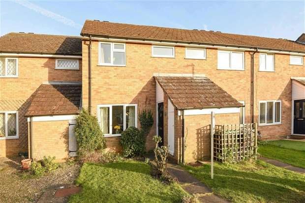 3 Bedrooms Terraced House for sale in Bridle Drive, Clapham