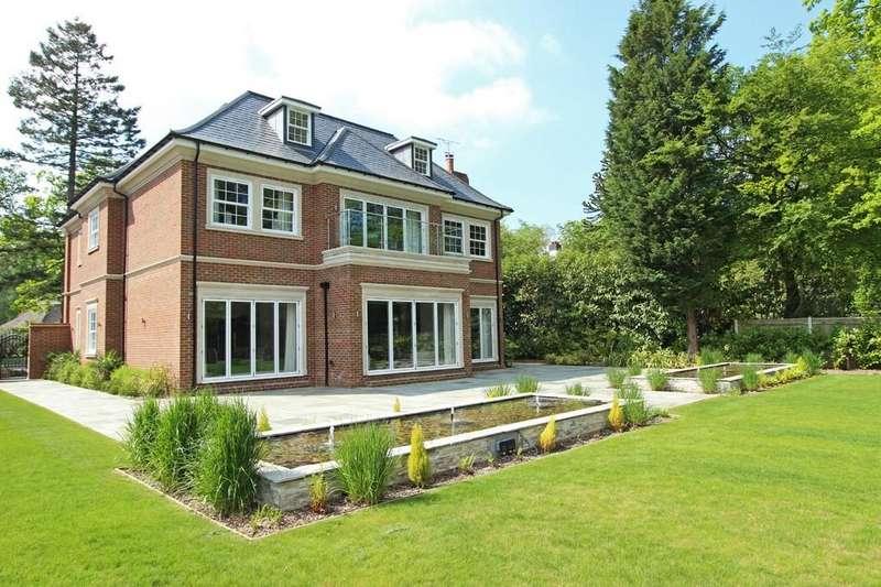 5 Bedrooms Detached House for sale in Warren Drive, Kingswood