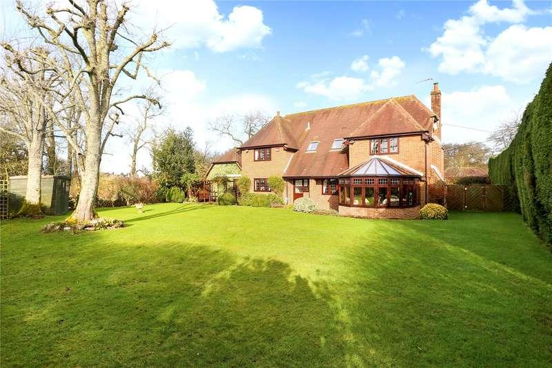 4 Bedrooms Detached House for sale in Lasham, Alton, Hampshire, GU34