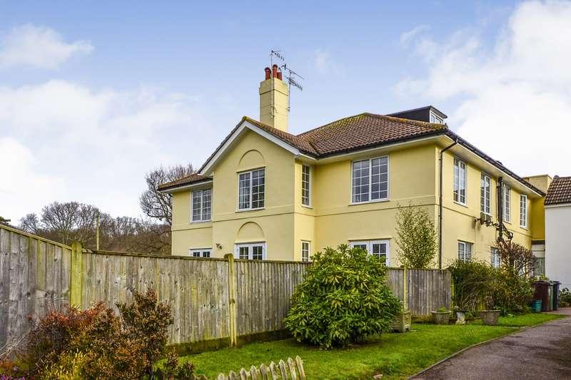 1 Bedroom Flat for sale in Highwood House, Ellerslie Lane, Bexhill On Sea, TN39