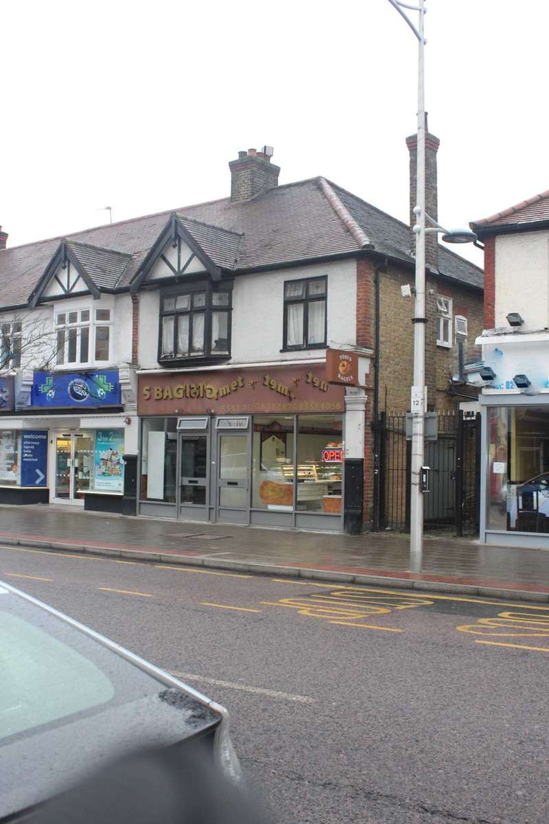 Retail Property (high Street) Commercial for rent in High Street, Barkingside
