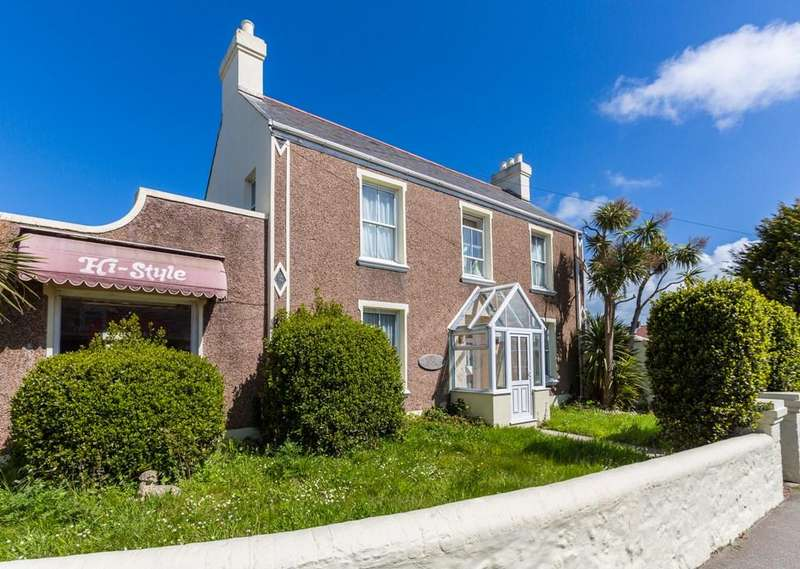 4 Bedrooms Detached House for sale in Route Carre, St. Sampson, Guernsey