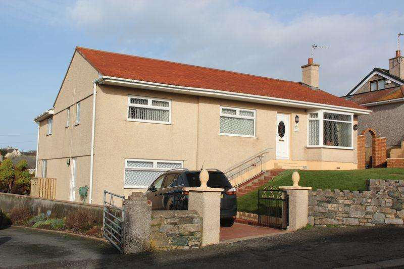 4 Bedrooms Detached Bungalow for sale in Cyttir Road, Holyhead