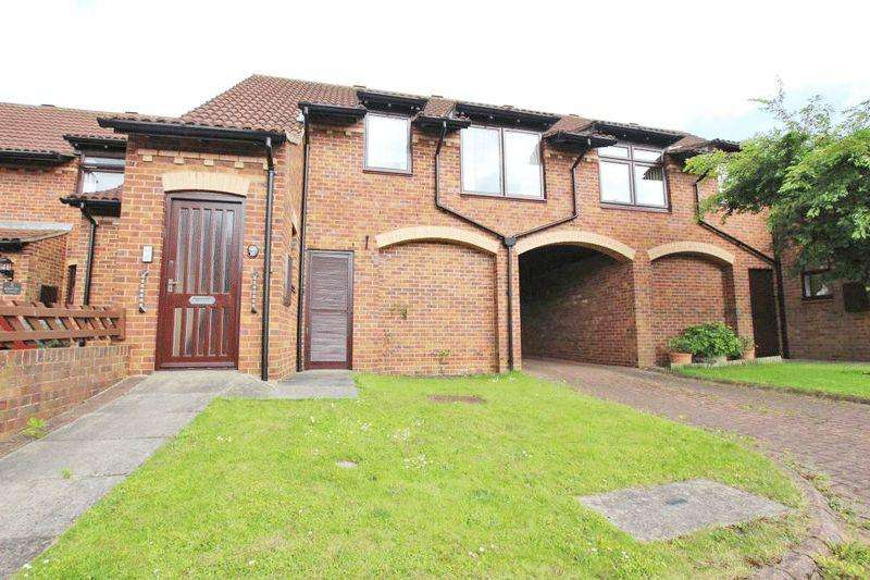 1 Bedroom Flat for sale in QUEENS COURT, GRIMSBY