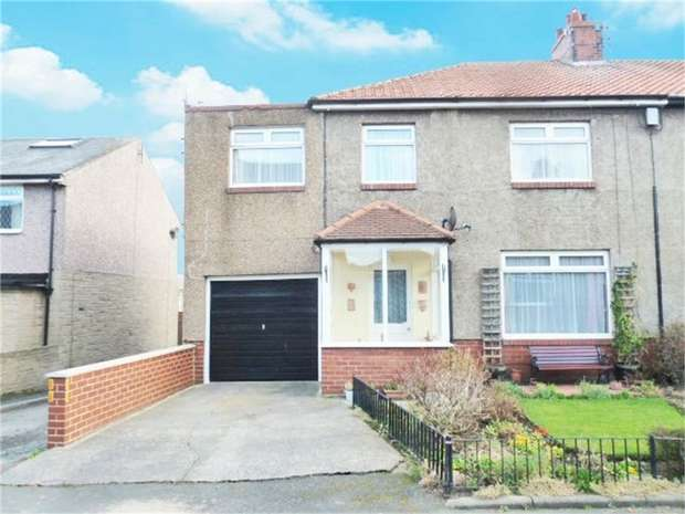 4 Bedrooms Semi Detached House for sale in Eastgarth Avenue, Amble, Morpeth, Northumberland