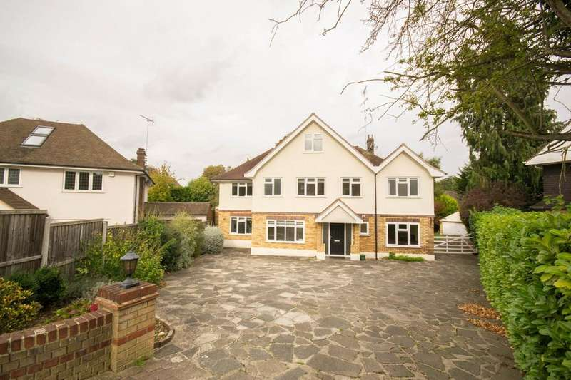 5 Bedrooms Detached House for sale in Hillwood Close, Hutton Mount, Brentwood, Essex, CM13