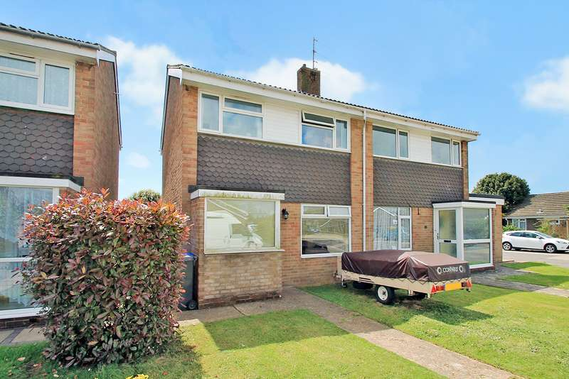 3 Bedrooms Semi Detached House for rent in Chilgrove Close, Goring-By-Sea, Worthing