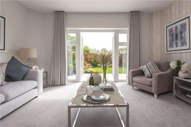4 Bedrooms Detached House for sale in Mohawk Way, Woodley, Berkshire