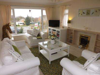 4 Bedrooms Bungalow for sale in Vanessa Road, Louth