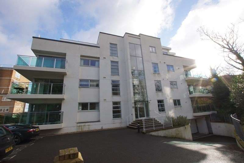2 Bedrooms Flat for sale in Seldown Road, Poole