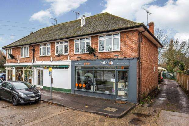 2 Bedrooms Flat for sale in Stoke D'Abernon, Cobham, Surrey