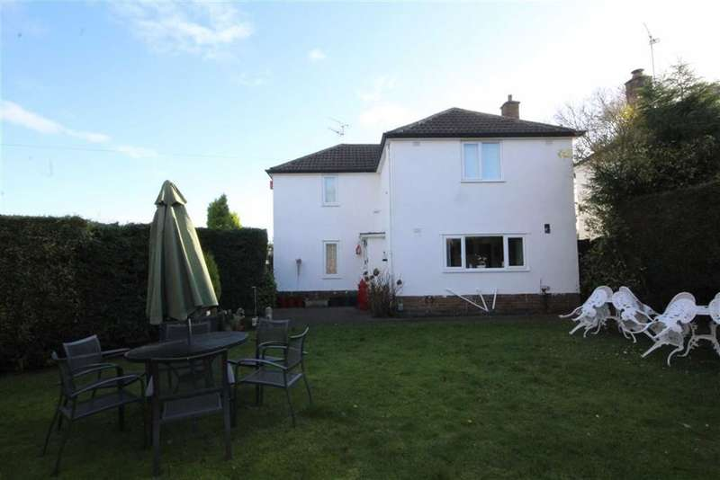 3 Bedrooms Detached House for sale in Whitnash Road, Leamington Spa, Warwickshire, CV31