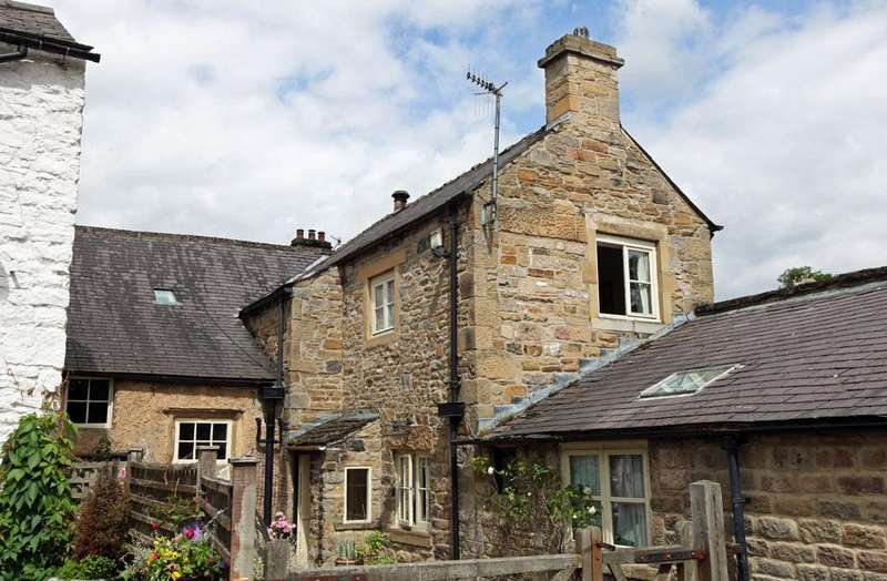 4 Bedrooms Cottage House for sale in The Old Post Office, The Nook, Stoney Middleton, Hope Valley, Derbyshire, S32