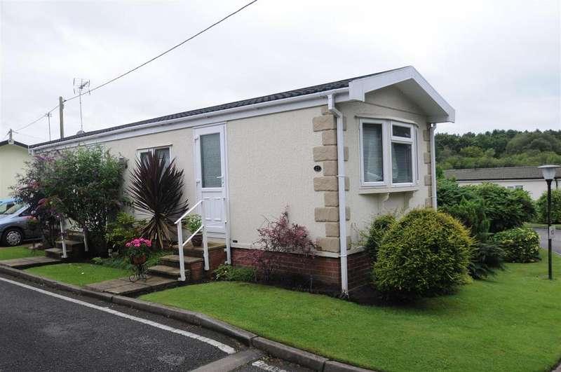 2 Bedrooms Park Home Mobile Home for sale in Hatchmere Park, Delamere Road, Norley