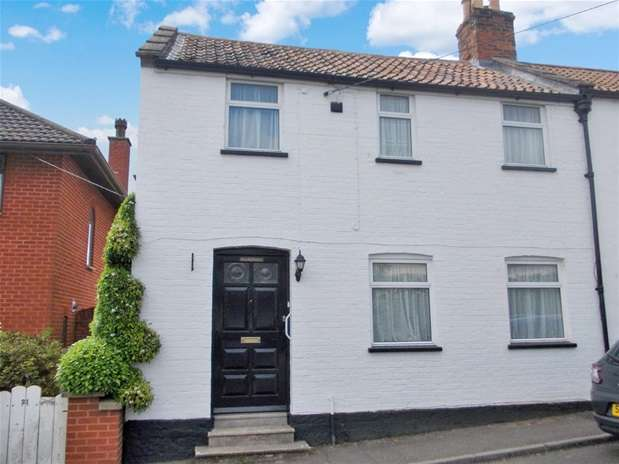2 Bedrooms Detached House for rent in Hill Head