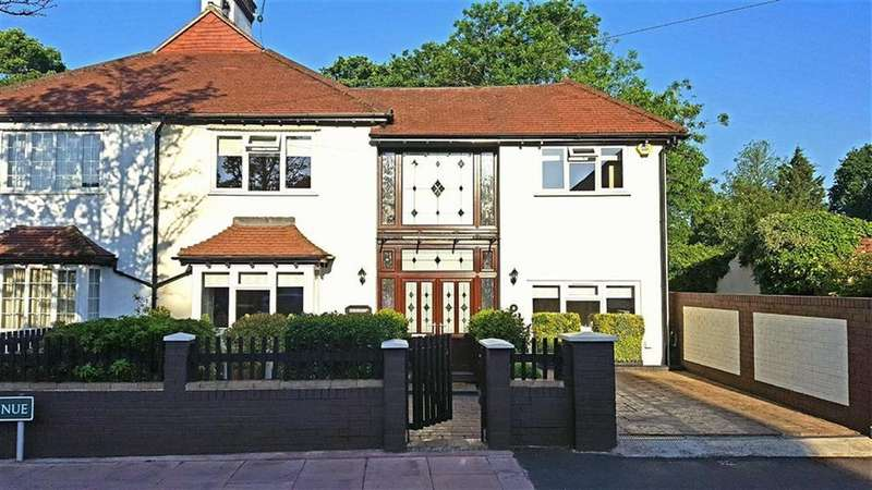 5 Bedrooms Semi Detached House for sale in Copse Avenue, West Wickham, Kent