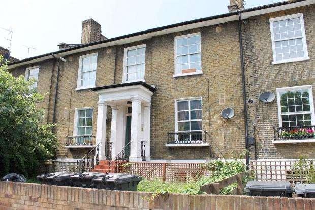 2 Bedrooms Flat for sale in Camden Road Camden Road, London, N7