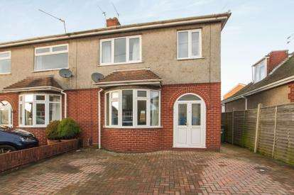 3 Bedrooms Semi Detached House for sale in Britannia Road, Kingswood, Bristol
