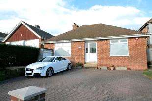 3 Bedrooms Bungalow for sale in Crescent Drive North, Woodingdean, Brighton, East Sussex