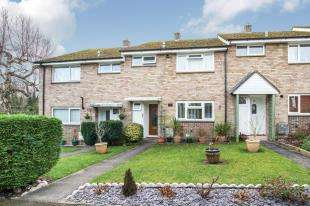 3 Bedrooms Terraced House for sale in Mead Way, Midhurst, West Sussex, .