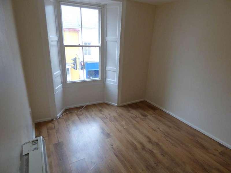 1 Bedroom Flat for rent in Main Street, Pembroke, Pembrokeshire