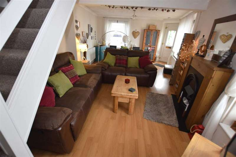 3 Bedrooms Terraced House for sale in Skelgate, Dalton-in-Furness, Cumbria