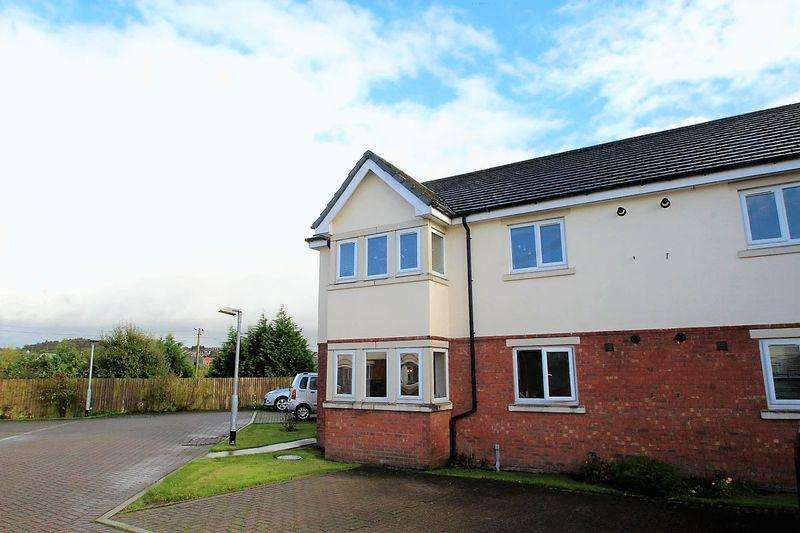 2 Bedrooms Apartment Flat for sale in The Oaklands, Fairway, Castleton, Rochdale OL11 3BZ