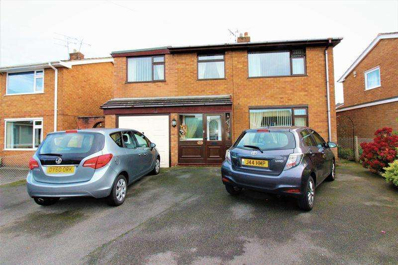 5 Bedrooms Detached House for sale in Richmond Road, Wrexham