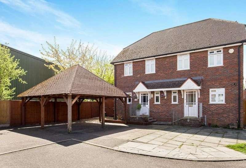 3 Bedrooms Semi Detached House for sale in Nettlestead Oast, Paddock Wood
