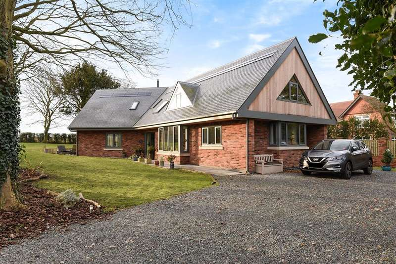 4 Bedrooms Detached House for sale in Little Weighton Road, Walkington, Beverley, HU17 8SP