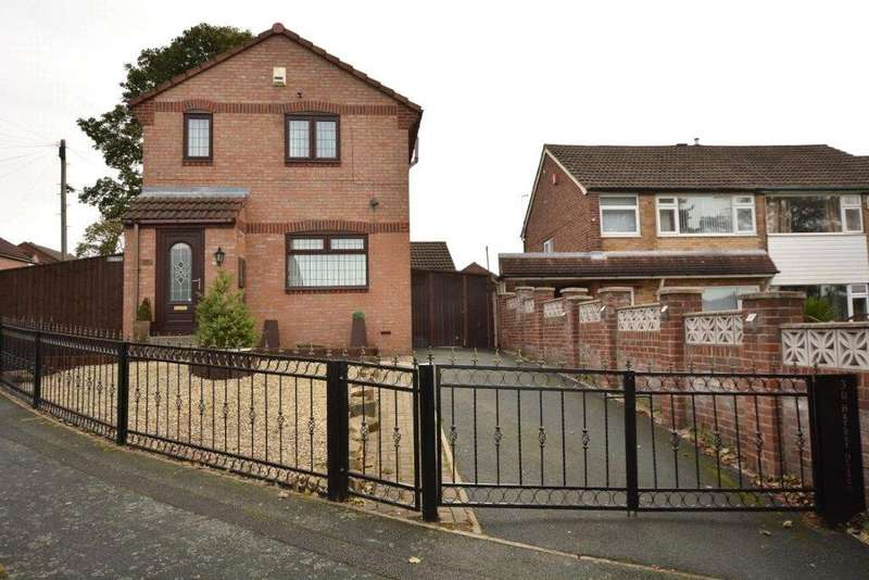3 Bedrooms Detached House for sale in Barker Place, Bramley, Leeds