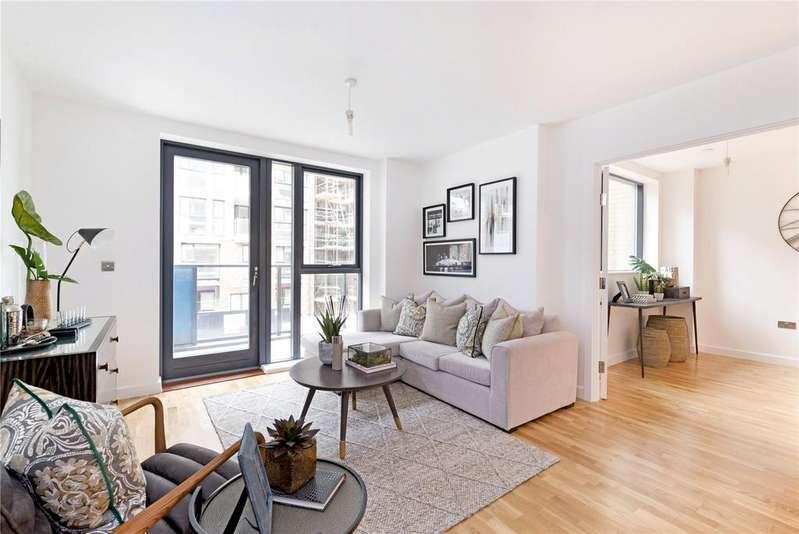 3 Bedrooms Flat for sale in Centenary Heights, Larkwood Avenue, Greenwich, London, SE10