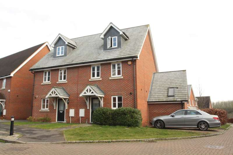 3 Bedrooms Semi Detached House for sale in Ducketts Mead, Shinfield