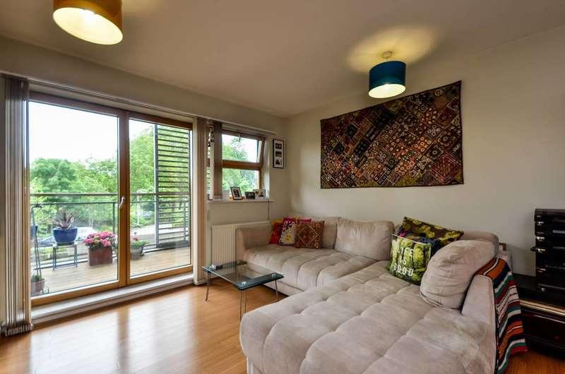 2 Bedrooms Flat for rent in Evelyn Street, Deptford, SE8