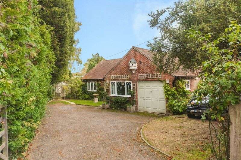 4 Bedrooms Property for sale in Cumnor Hill, Oxford