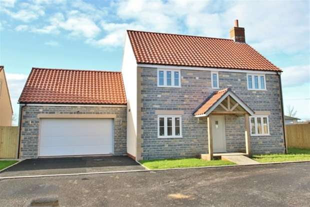 4 Bedrooms Detached House for sale in Newtown
