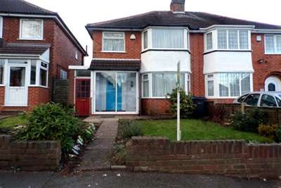 3 Bedrooms House for rent in Booths Farm Road, Great Barr
