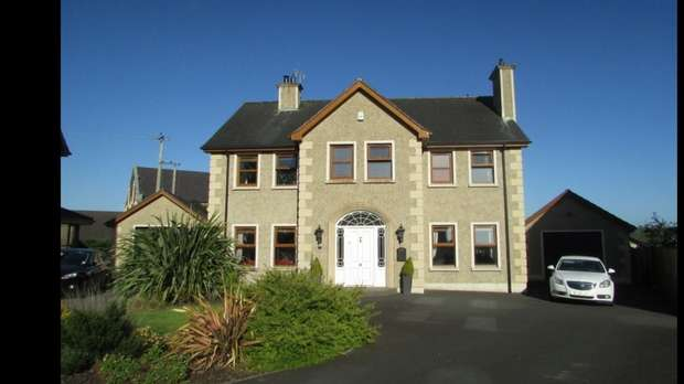 5 Bedrooms Detached House for sale in Church View Manor, Donaghcloney, Craigavon, County Armagh