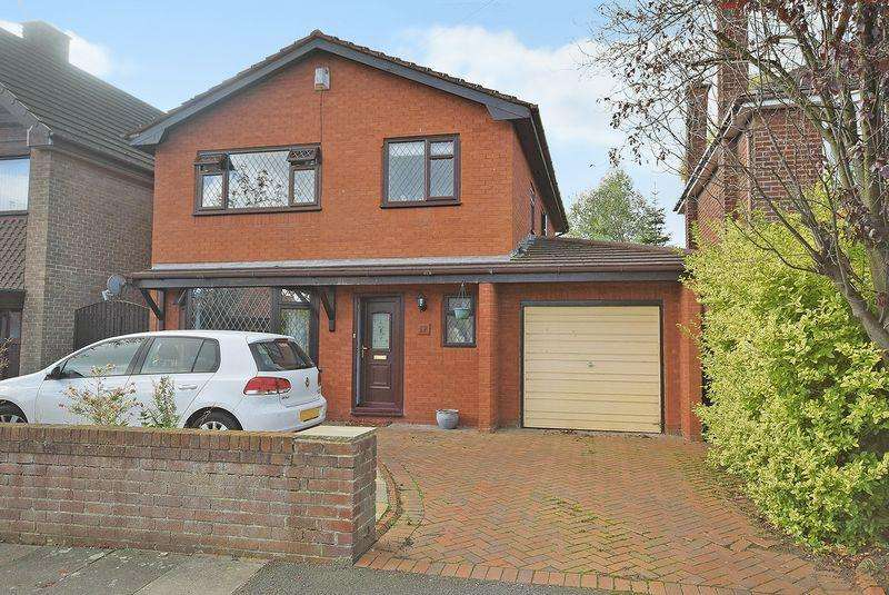 3 Bedrooms Detached House for sale in Sandringham Road, Widnes