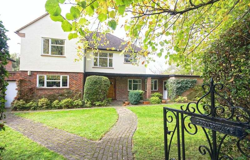 4 Bedrooms Property for sale in Rowlands Avenue Hatch End, Pinner